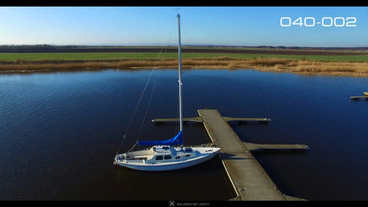 Yacht Pier, Vertical Tilt – Drone Aerial Photography, Videography Services & V...