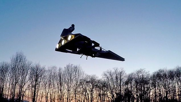 Drone Homemade : A Flying Star Destroyer Drone Looks Terrifying As It Descends F...