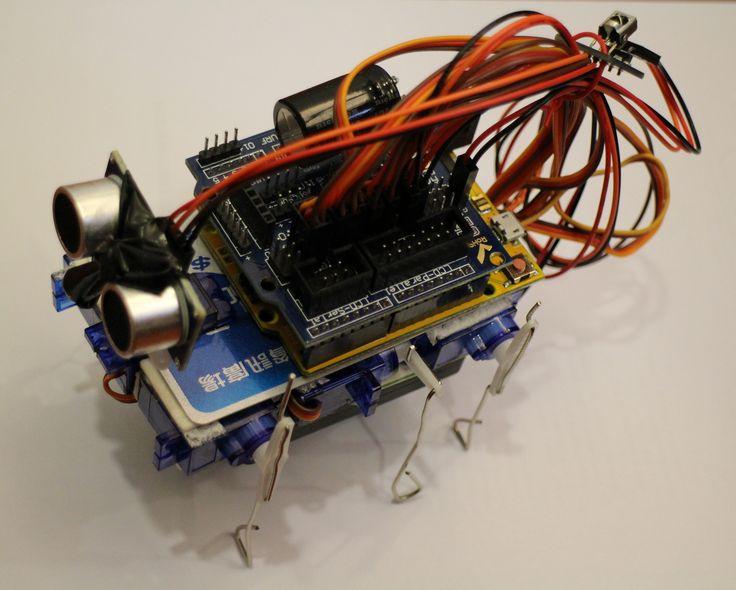 Adorable Robot Built Around a Credit Card Body (video)