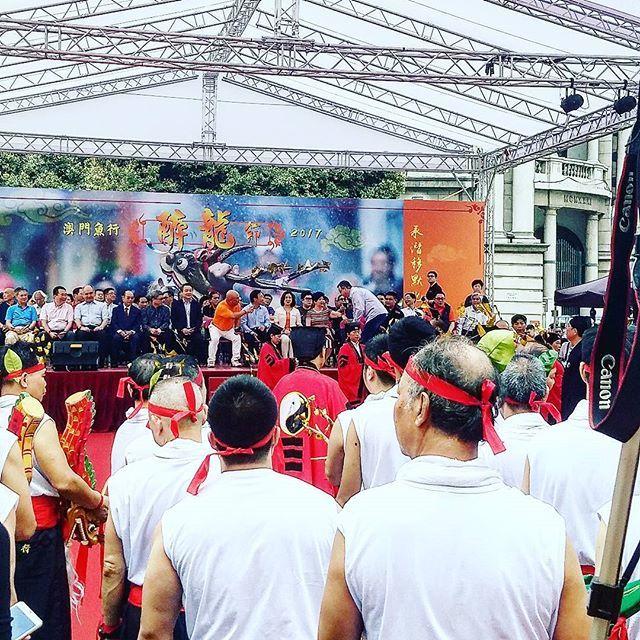 Come join the Drunken Dragon & Lion Dance Festival at Senado Square! #macaulifes...