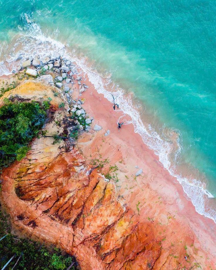 SW0405 - Rainbow Beach – Salty Wings