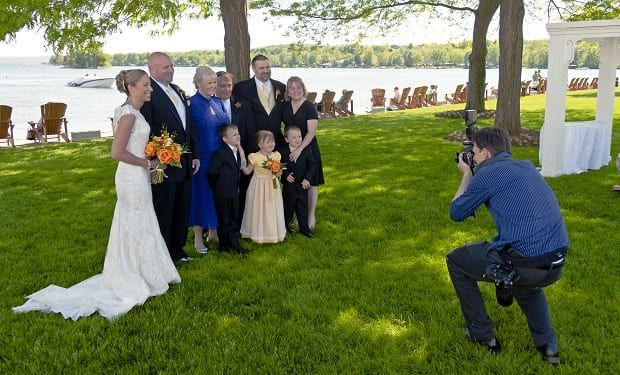 How to Take Wedding Photos - Best Wedding Photography Tips