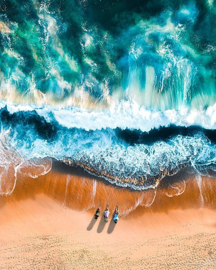 People Drone Photography : California Beaches From Above: Drone Photography by Emily Kaszton - DronesRate.com | Your N°1 Source for Drone Industry News & Inspiration