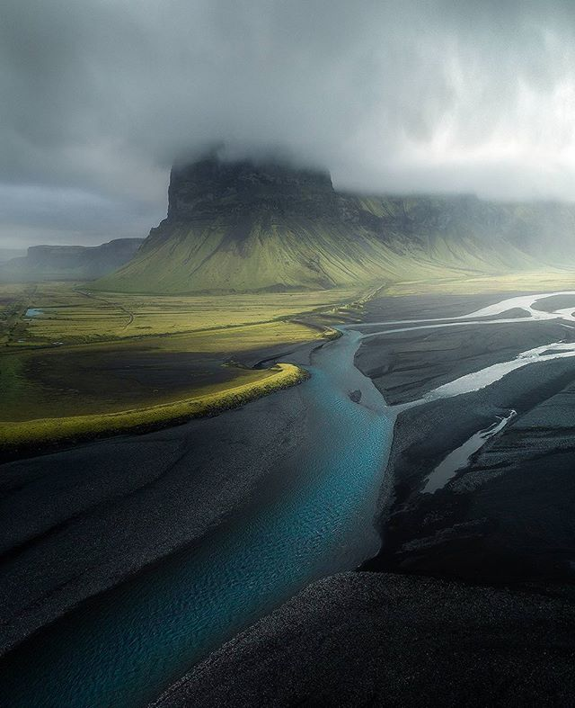 """Simona 