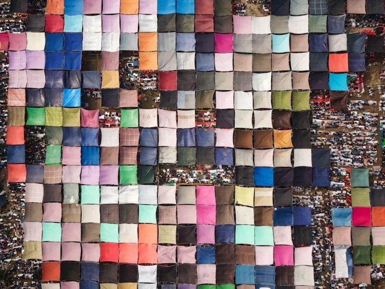 """Pilgrimage of Millions of People"" by Qinghua Shui"